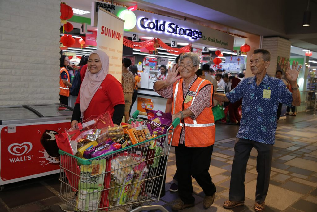 Groceries To Unite Families