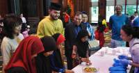 300 orphans and stateless children flock to Sunway Pyramid for Raya shopping spree